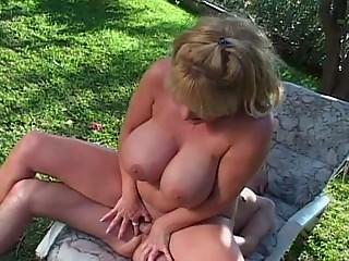 huge breast woman outdoor fuck inside hooter