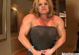 aziani metallic older bodybuilder with big clit