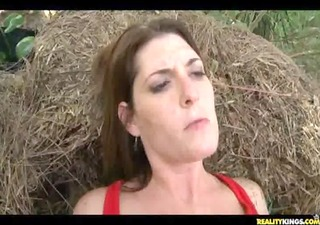 milfhunter gets some great outdoor banging act fr