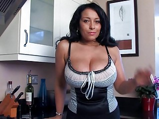 busty slutty momma pleases with fish labium
