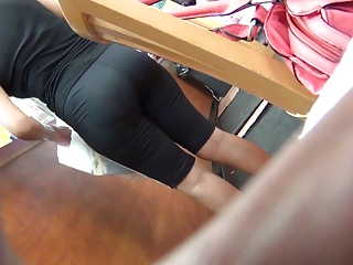 colombian lady into spandex