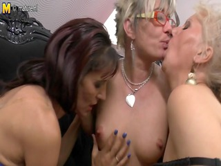 mothers at lesbo porn with not their grandmothers