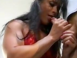 bodybuilding older  chick bottom